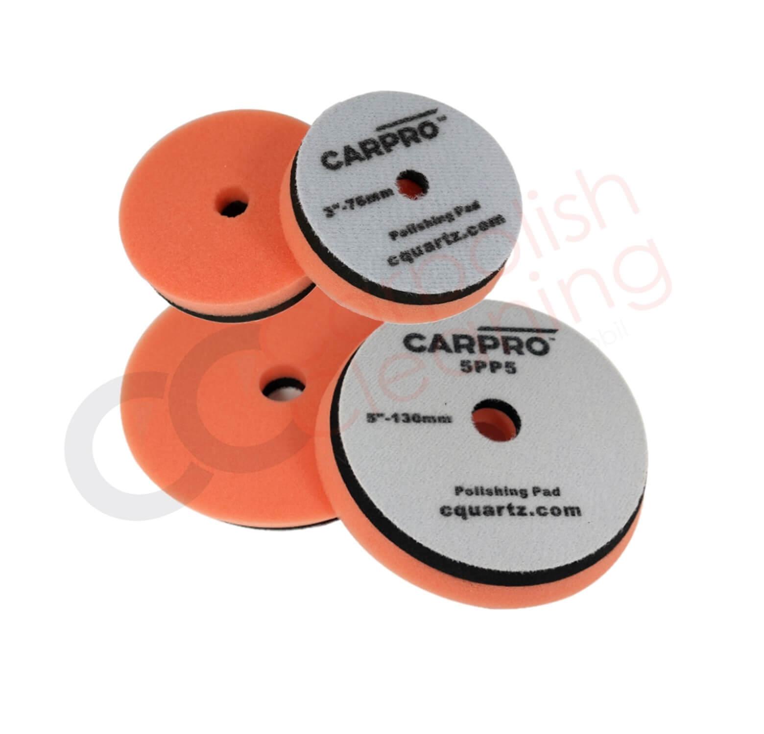 Orange Polierpad von CarPro beide Grössen im Vergleich