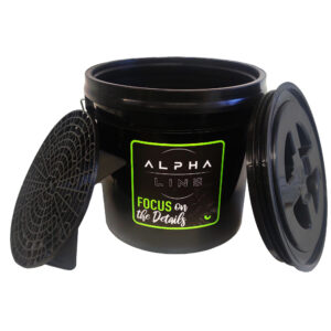 Alpha Line Autowascheimer schwarz mit Schraubverschlussdeckel und Bodeneinsatz