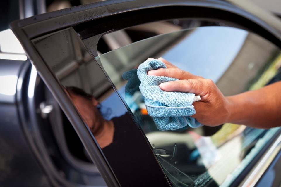 Autoscheiben polieren – so geht's